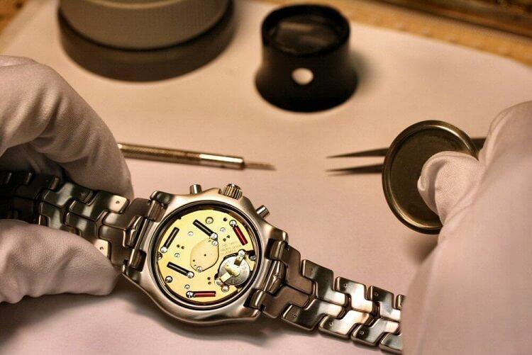mua đồng hồ xách tay